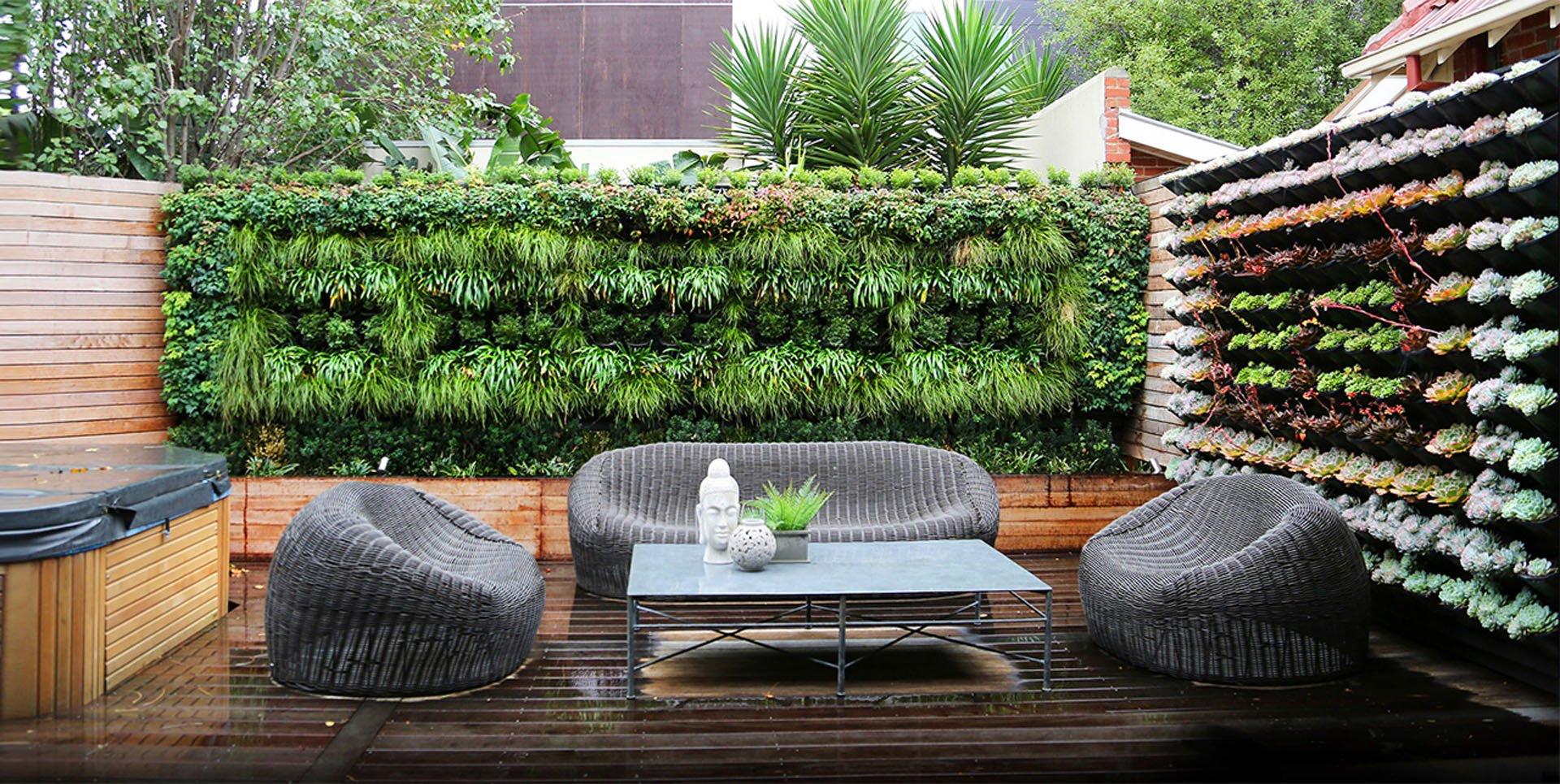 Ogrody wertykalne zielone ciany mech na cianie - Maison jardin senior living community reims ...